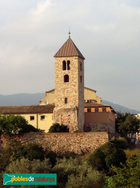 Campanar romànic, vist des de la banda Sud