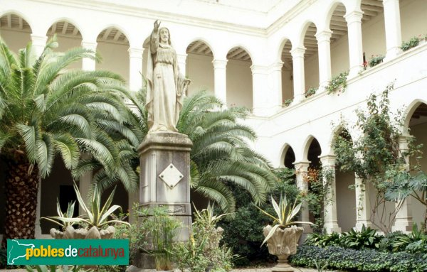 Calella - Escola Lestonnac: claustre conventual