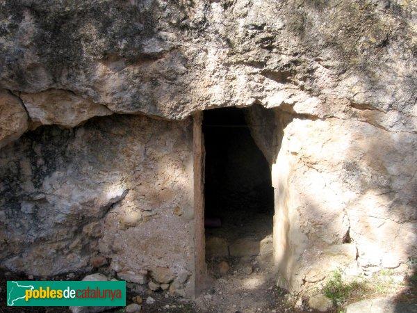 La Bisbal del Penedès - Cova de Santa Cristina