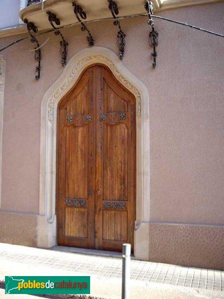 Casa Arimon, detall de la porta