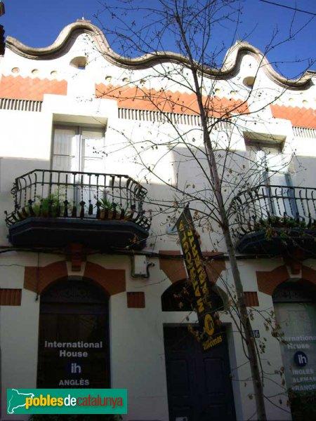 Casa del carrer de l'Escola Industrial, 16