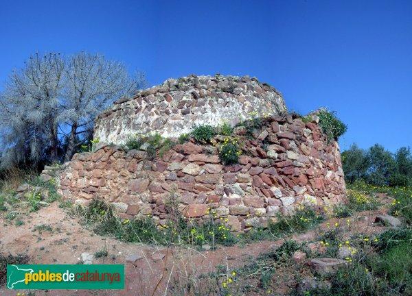 Sentmenat - La Torre Roja, dalt del turó