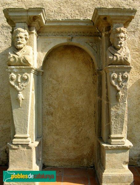 Sant Vicenç de Montalt - Basament de l'antic retaule