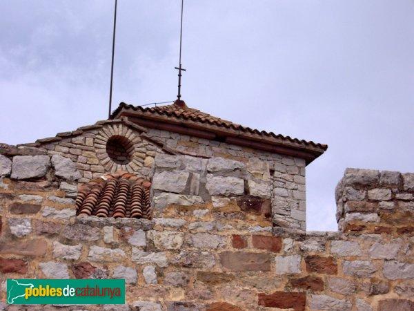 El Puig de la Creu: merlets, torres i parallamps