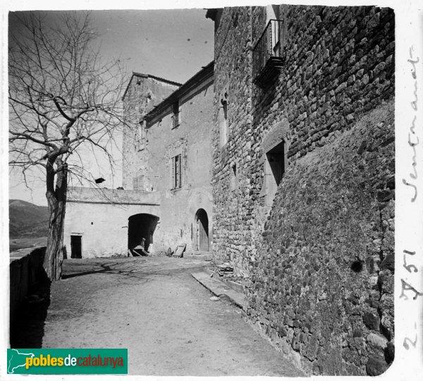 Façana principal del castell de Sentmenat