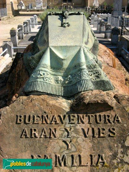 Arenys de Mar - Cementiri - Sepulcre Aran Vies