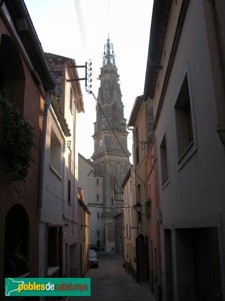Vista de la torre des del carrer de Sant Iscle