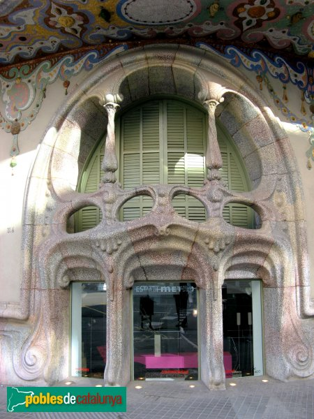 Barcelona - Casa Comalat, façana Còrsega
