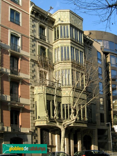 Barcelona - Palau Quadras, façana Rosselló