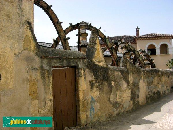 Els Pallaresos - Casa Bofarull, safareigs