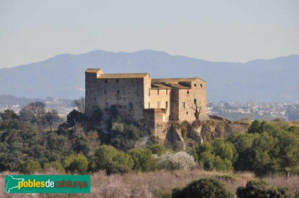 El castell de Sentmenat, vist des del NO