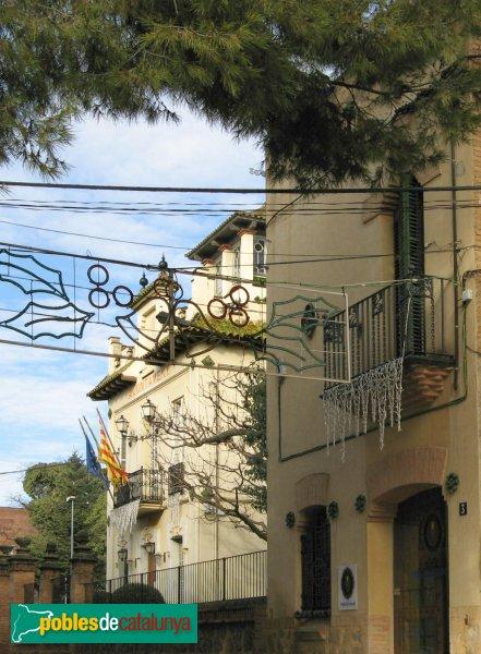Hostalets de Pierola - Can Maristany i la torre del Senyr Enric