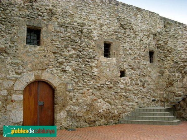 La Pobla de Claramunt - Castell: recinte clos