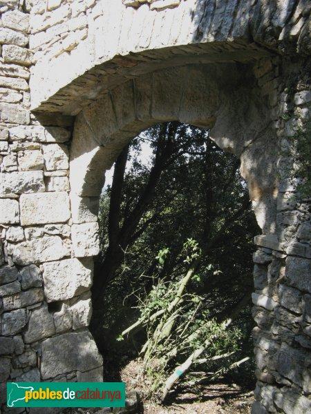 La Llacuna - Castell de Vilademàger, porta de la muralla