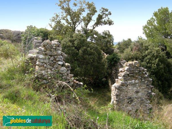 Santa Maria de Miralles - Castell de Miralles, cases antigues