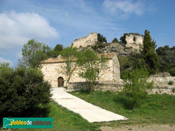 Santa Maria de Miralles - Santa Maria i al darrera, el castell