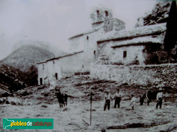 Santa Maria de Miralles - Església i cases antigues