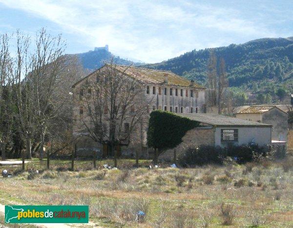 Vilanova del Camí - Molí de Rigat i el castell de Claramunt a la llunyania