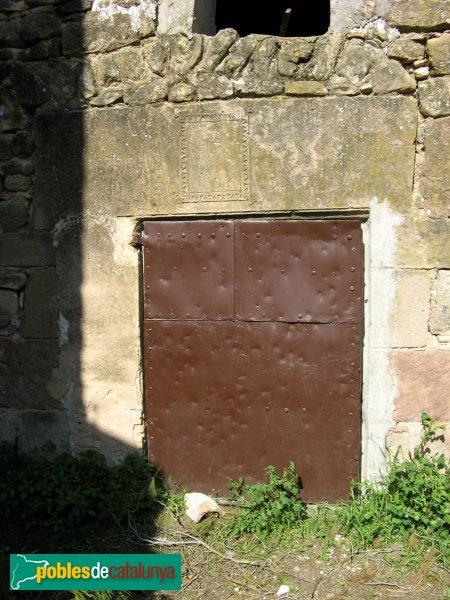 Jorba - Santa Maria de la Sala, porta de la casa de l'ermità