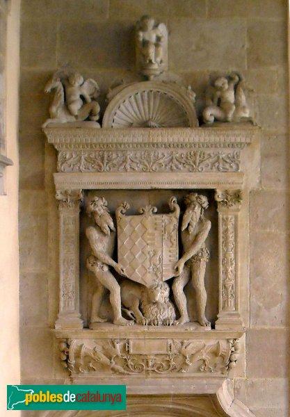 Barcelona - Palau Centelles - Porta renaixentista, detall