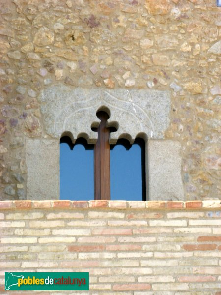 L'Escala - Mas Sastre, Cinclaus, detall finestra