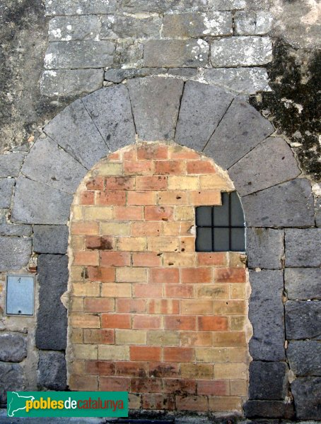 Vilamacolum - Can Selmo, porta antiga