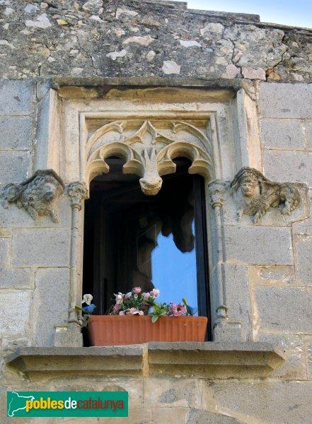 Viladamat - Can Masarac, finestra