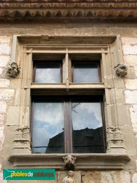 Montblanc - Hospital de Santa Magdalena, finestra renaixentista