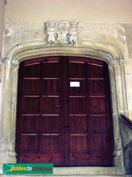Montblanc - Hospital de Santa Magdalena, porta de la planta noble