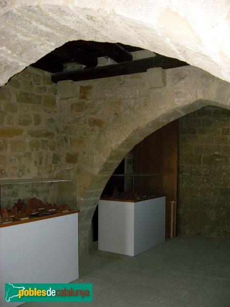 Santa Coloma de Queralt - Castell, sala de les arcades gòtiques