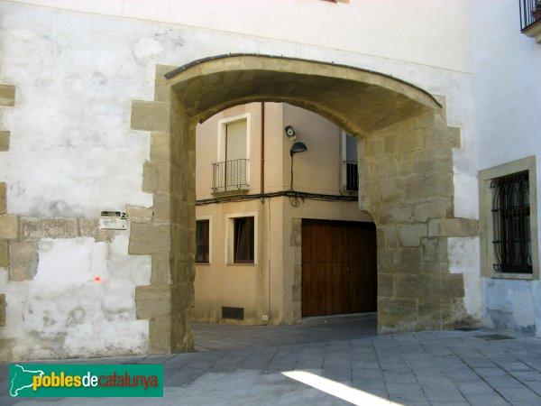 Santa Coloma de Queralt - Portal del pari d'armes del castell