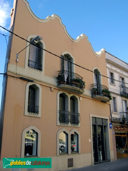 Casa joaquim ballv molins de rei pobles de catalunya - Casas en molins de rei ...