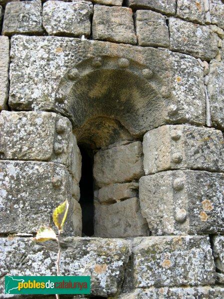Les Piles - Sant Salvador de Figuerola, finestra