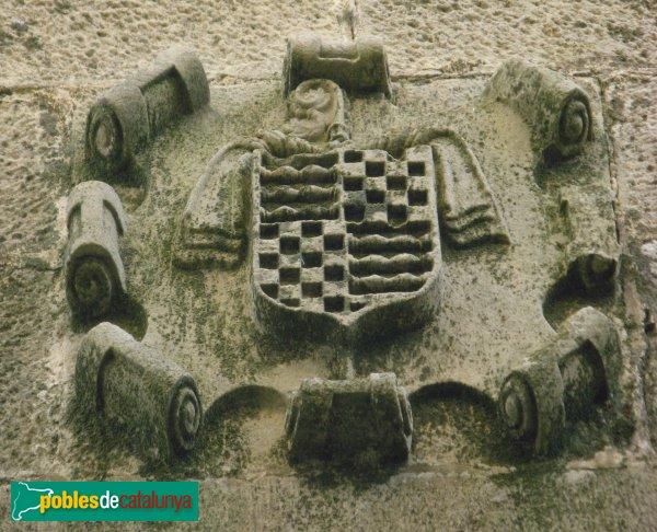 Conesa - Casa Delmera, escut de Santes Creus