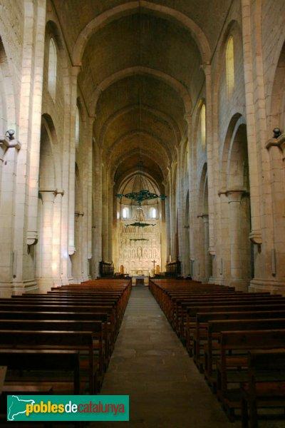 Monestir de Poblet - Interior de la nau central de l'església