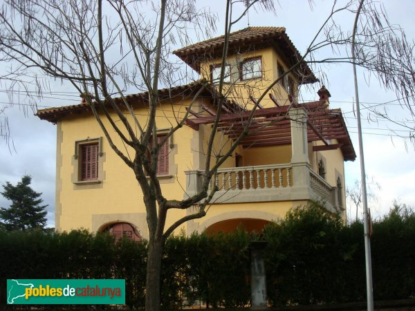 Casa soms cerdanyola del vall s pobles de catalunya - Casas en valles occidental ...