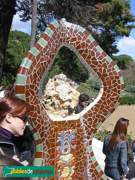 Barcelona - Parc Güell, detall de l'escalinata