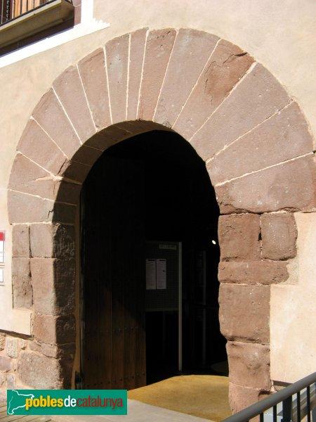 Vacarisses - Castell, porta principal