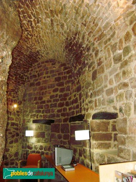 Vacarisses - Castell, interior de la primera planta