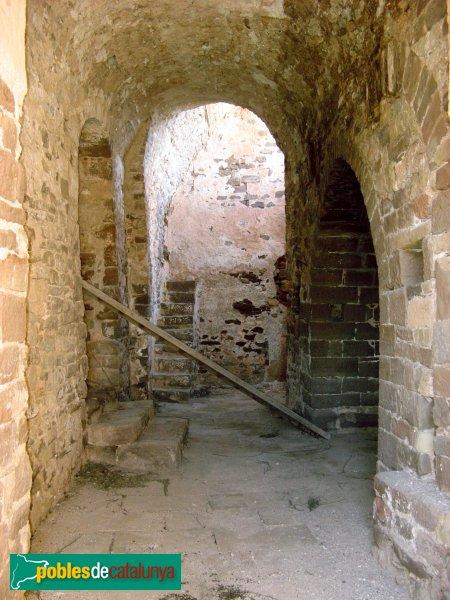 Rellinars - Església vella de Sant Pere i Sant Fermí, nau preromànica