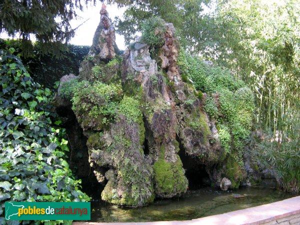 Terrassa - Casa Alegre de Sagrera, detall del jardí