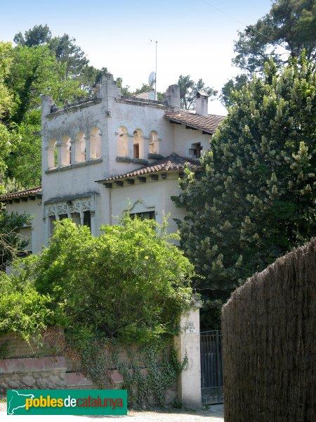 Casa de les bruixes sant cugat del vall s pobles de - Casas en valles occidental ...
