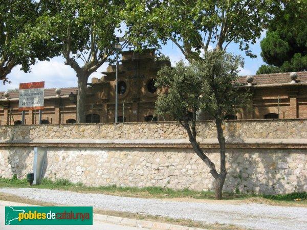 Casa de les aig es montcada i reixac pobles de catalunya - Casas en valles occidental ...