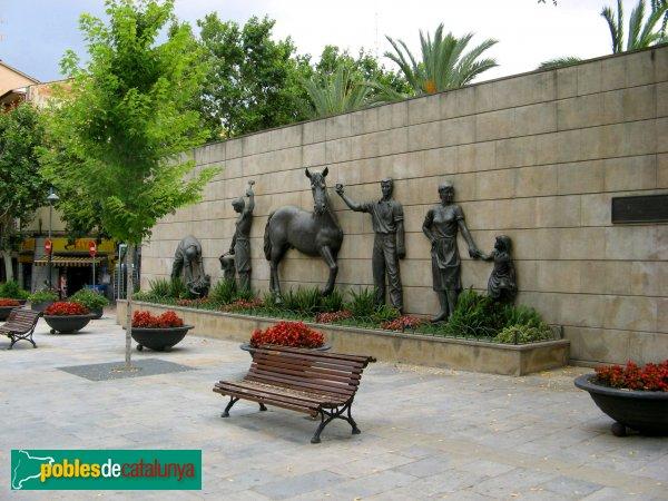 Monument a la gent de barber barber del vall s pobles de catalunya - Muebles barbera del valles ...