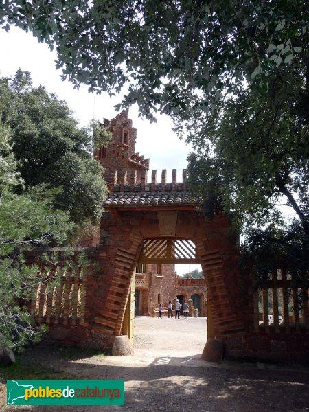 El Marquet de les Roques - Porta d'accés al pati
