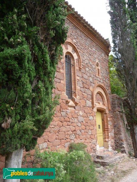 El Marquet de les Roques - Capella, exterior, accés a peu pla