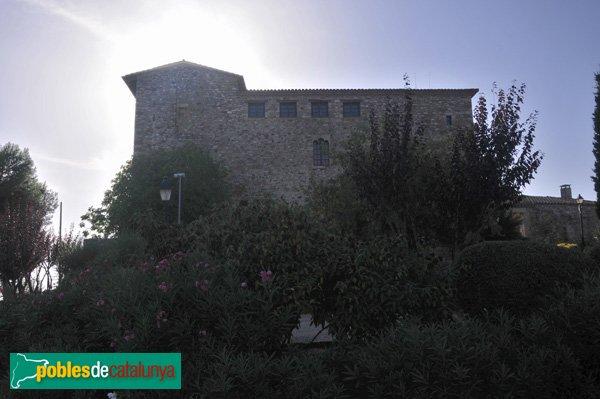 Castell de Plegamans, Façana de llevant, al capvespre
