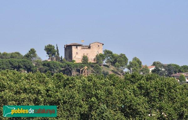 Castell de Plegamans, vist des de Santa Maria de Palau-solità