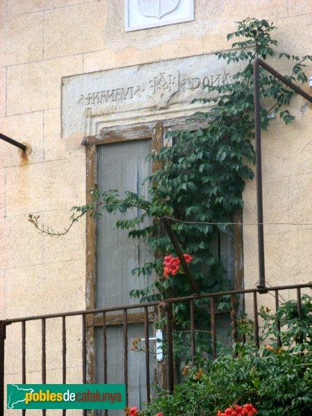 Fortià - Nucli antic, finestra gravada