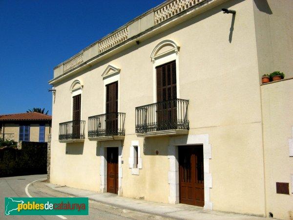 Garriguella - Can Roqueta (Baix a Garriguella)